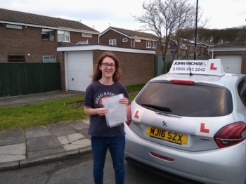 Massive well done to Katie Freeman on passing her test today in Sunderland, beat the nerves and put in a great drive,she nailed it, well done! Katie passed with our instructor Graham Spensley.